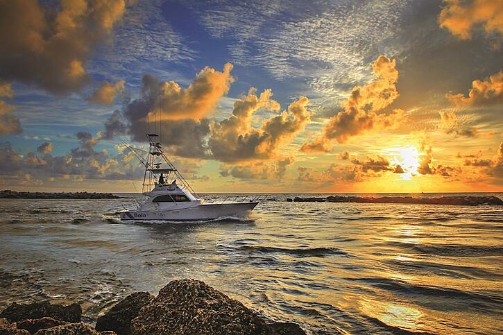 Top ways to stay active on fort myers beach for Florida non resident fishing license cost